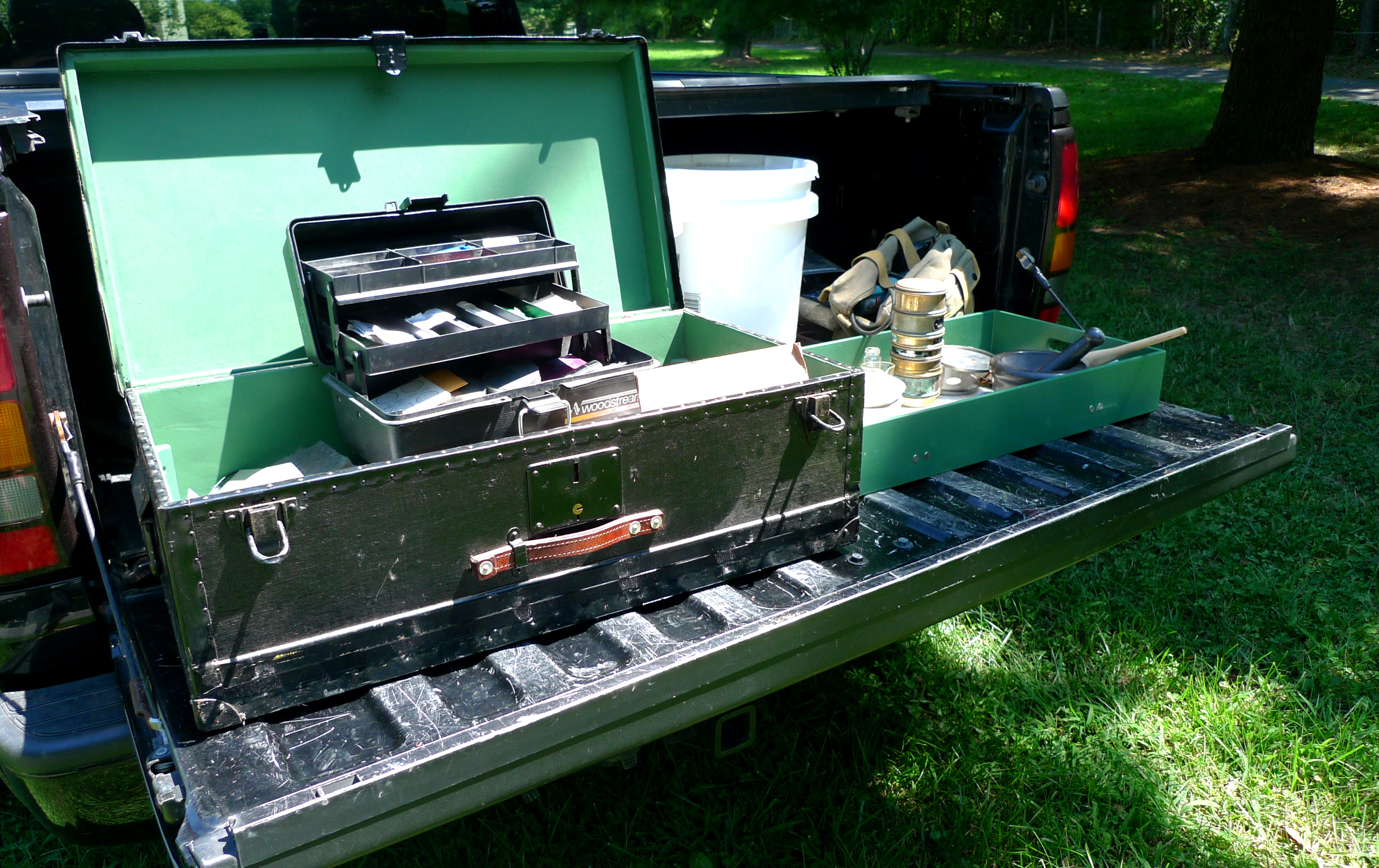 Portable lab trunk assembled on the truck tailgate for go-anywhere sand sieving and analysis.