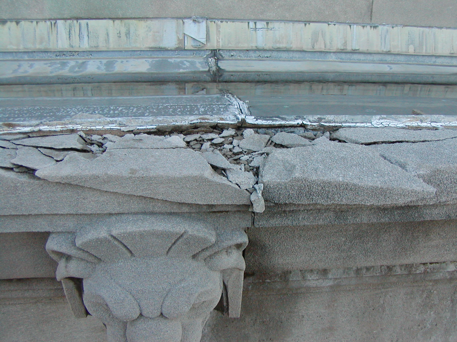 Damaged cornice stones on the Herbert Hoover Department of Commerce Building, December 2003